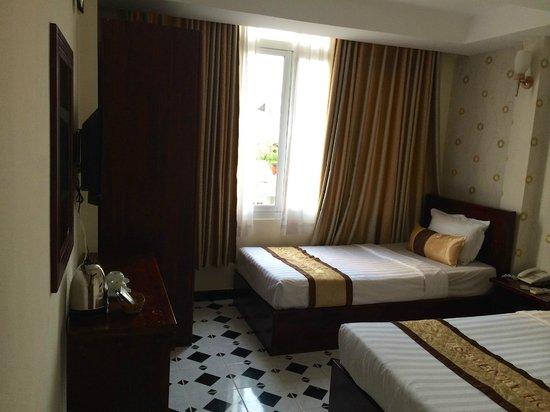Seventy Hotel: triple room