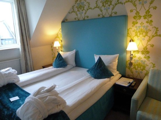First Hotel Mayfair: Bedroom 5th floor