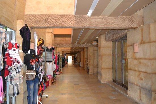 Club Marmara Zahra : le couloir reliant les hotels
