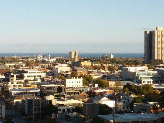 Melbourne Short Stay Apartments MP Deluxe: View from balcony over South Melbourne