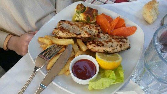 Estia - Cafe Restaurant: souvlaki