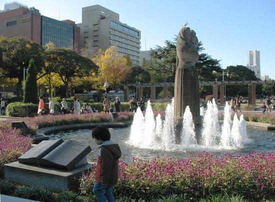 Fontane - Atraktivna arhitektura - Page 5 Yamashita-park