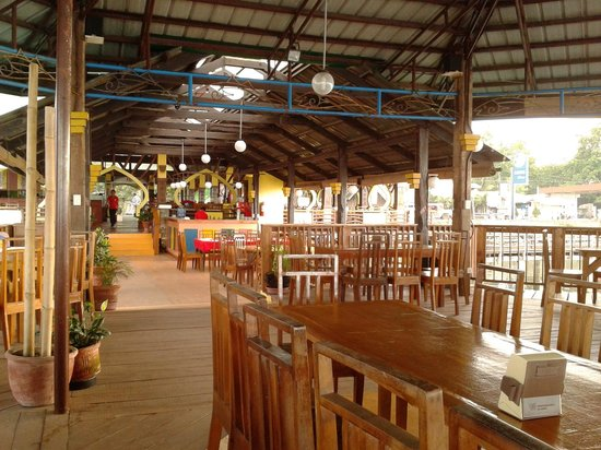 Seablings Seafoods Restaurant: main dining hall