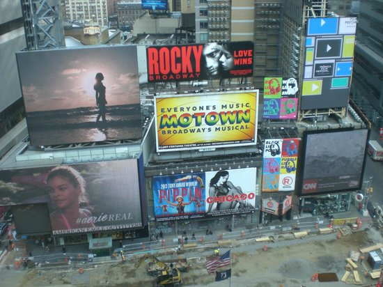 DoubleTree Suites by Hilton Hotel New York City - Times Square: View from 8th floor