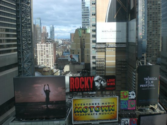 DoubleTree Suites by Hilton Hotel New York City - Times Square : View from 8th floor