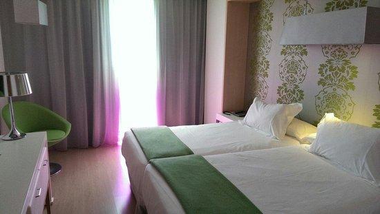 Double Tree Hilton  Hotel Girona: A standard room