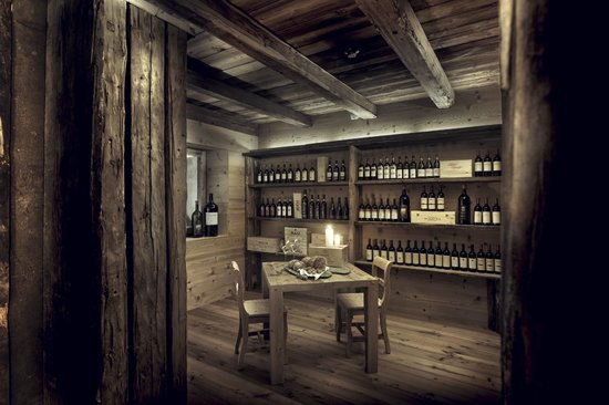 Hotel Chesa Stüva Colani: Wine Room