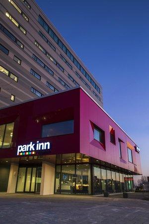 Park Inn By Radisson Lund: The hotel entrance