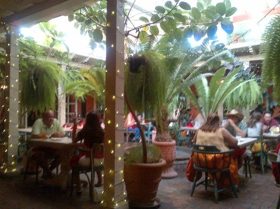 Peppers On The Plaza: Patio at Peppers - Great Atmosphere - Historical Building