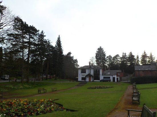 Old Rose and Crown Hotel: The Grounds