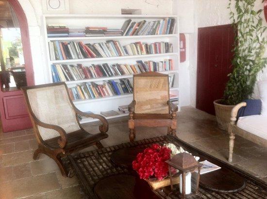 Masseria Torre Coccaro : la biblioteca