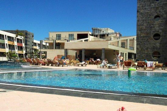 Geranios Suites & Spa Hotel: Pool bar