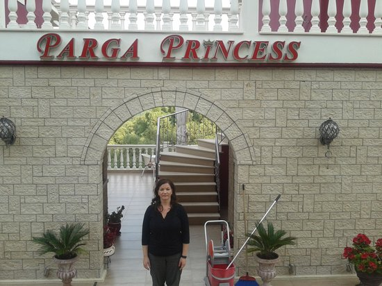 Hotel Parga Princess: The front of the hotel