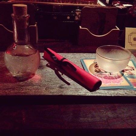 Bam-Bou Restaurant: Love Potions in Red Bar