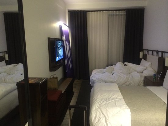 Refinery Hotel: Sleek rooms but on the small size