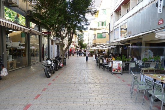 Ledra Street Crossing Point: leedra street