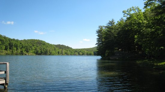 Douthat State Park: Douthat Lake