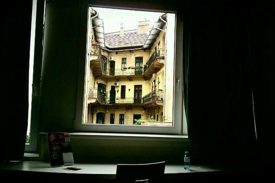 Ibis Budapest City : Вид из номера