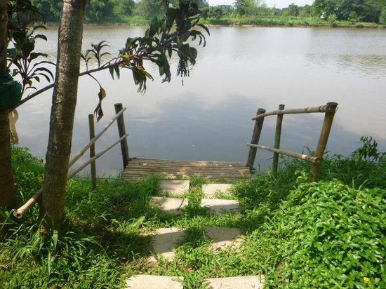 The Legend Chiang Rai : Am Fluss im Garten