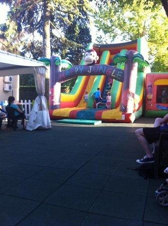 Camping Bella Italia: bouncy castles