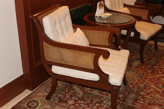 The Imperial Hotel : Nice chairs