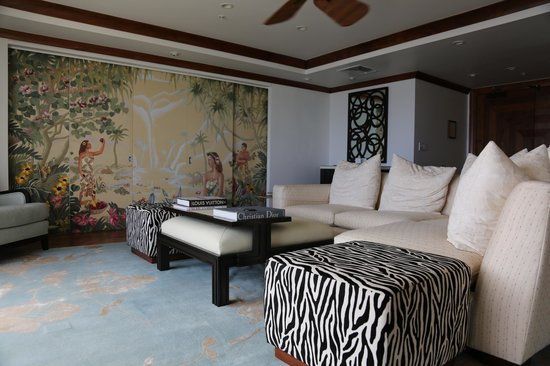 The Kahala Hotel & Resort: Imperial Ste: entry/living room