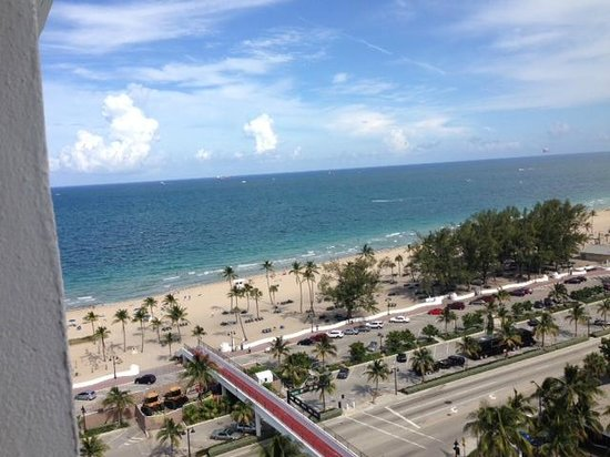 Bahia Mar Fort Lauderdale Beach - a Doubletree by Hilton Hotel: View form 16th floor room