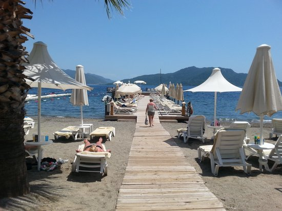 Hotel Cettia Beach Resort: cettia own private beach n jetty (lazy island)