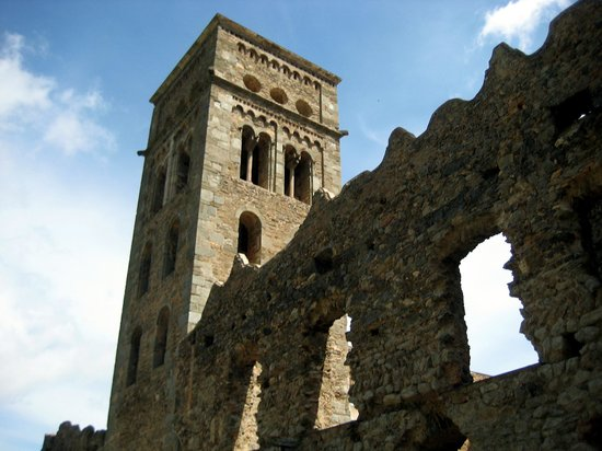 Monastery of Sant Pere de Rodes: Monasterio de cerca
