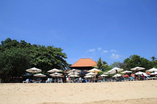 Respati Beach Hotel - Sanur: вид с моря