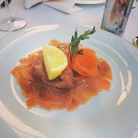 Ristorante al Gondoliere: Smoked Salmon and rocket anti pasti