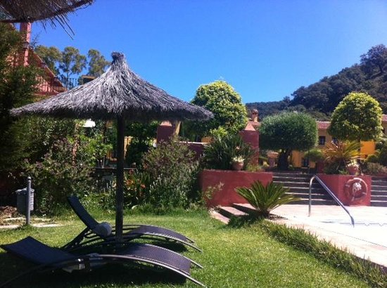 Hacienda La Herriza Hotel: view from the pool