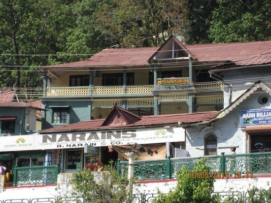 Grand Hotel: hotel view from naini lake
