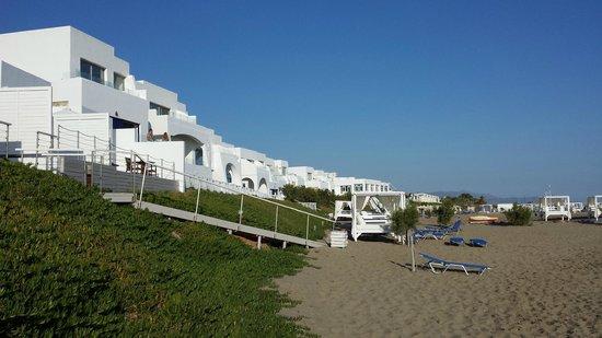 Knossos Beach Bungalows & Suite : Beach bungalow morning view