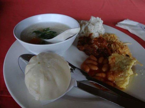 Bayu Beach Resort Port Dickson: breakfast