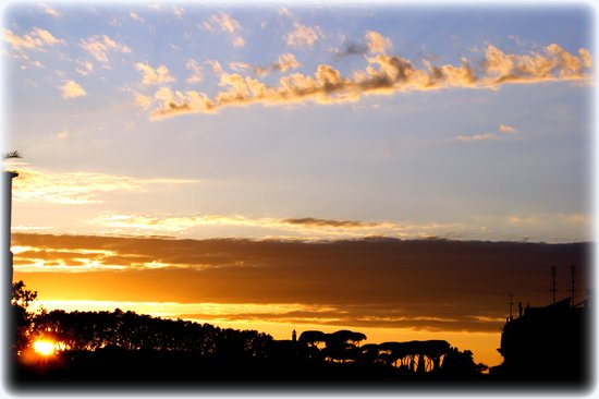 Finestra su Trastevere : Sunset on the roof terrace