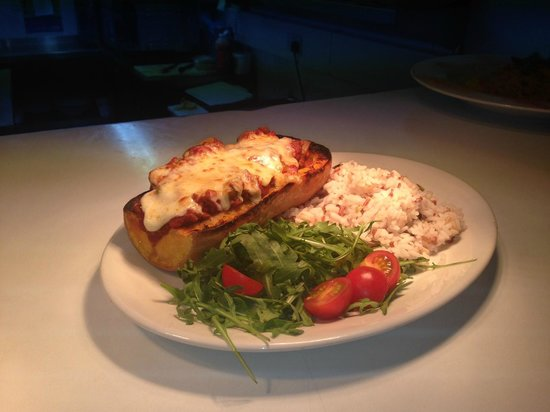 Westerton Arms: Stuffed Butternut Squash with Veg Chilli and Mozzarella