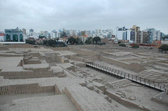 Huaca Pucllana: View NNE from the top