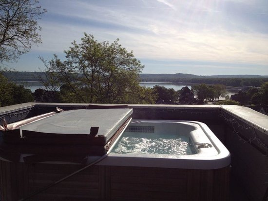 Mont Rest Inn: Best Morning view-Roof top/hot tub