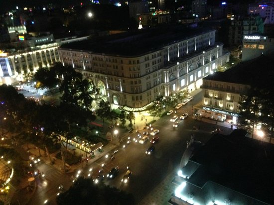 Caravelle Saigon : Night view from Signature room
