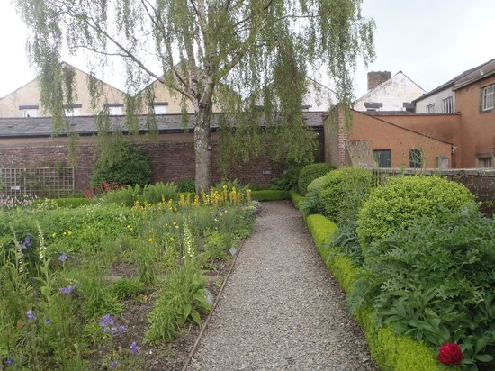 Wordsworth House and Garden: The garden