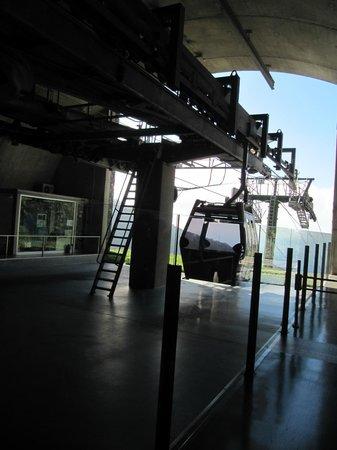 Téléphérique de Funchal : Funchal - La funivia - Si parte verso la discesa