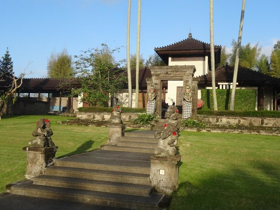 The Chedi Club Tanah Gajah, Ubud, Bali – a GHM hotel : front of villa