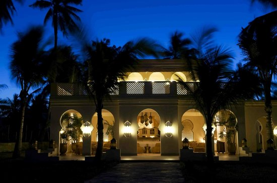 Baraza Resort & Spa: Baraza Evening Bar