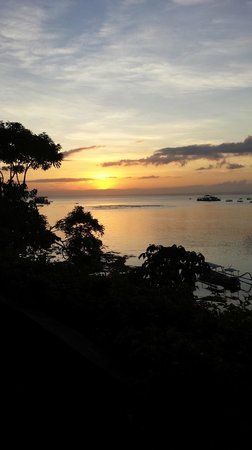Batu Karang Lembongan Resort & Day Spa: sunset