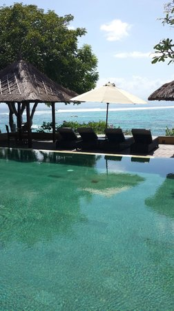 Batu Karang Lembongan Resort & Day Spa: bottom pool with a view!