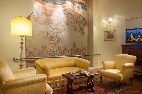 Hotel Tornabuoni Beacci: Salotto/Suite