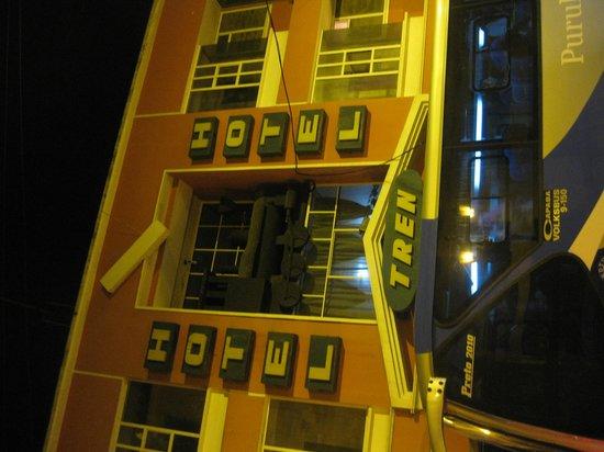 Hotel Tren Dorado: Hotel Entrance