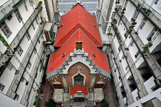 Leo Frankel Synagogue: Synagoge hidden in yard