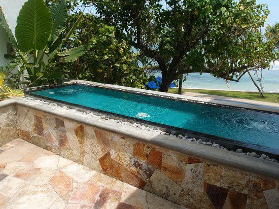 Mosvold Villa: Private Pool/Jacuzzi of the Honeymoon Suite